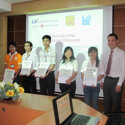 Scholarship Ceremony for students of HCMC University Architect